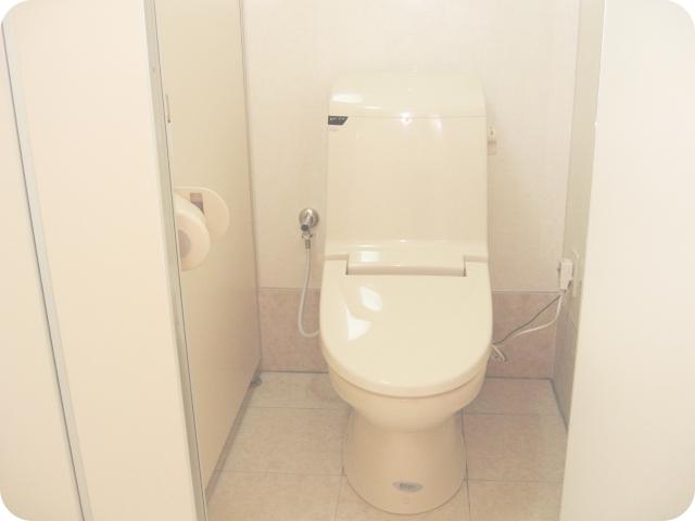 男性用ウォシュレット付洋式トイレ