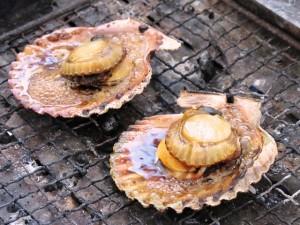 焼きバタ貝(2個)500円